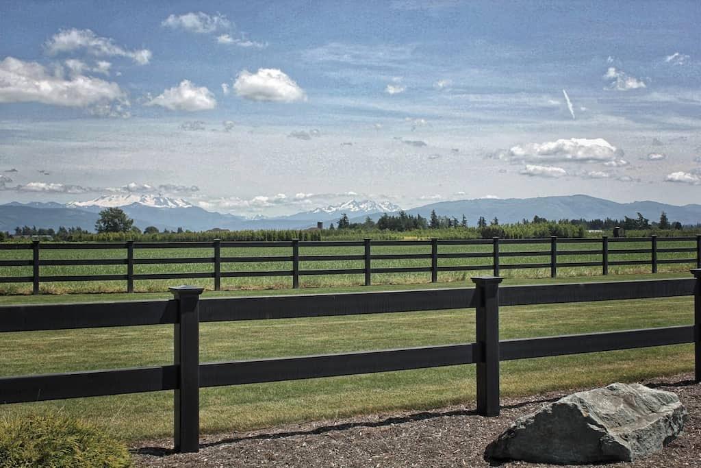 2 Rail Horse Fencing Black Horse Fencing Black Ranch