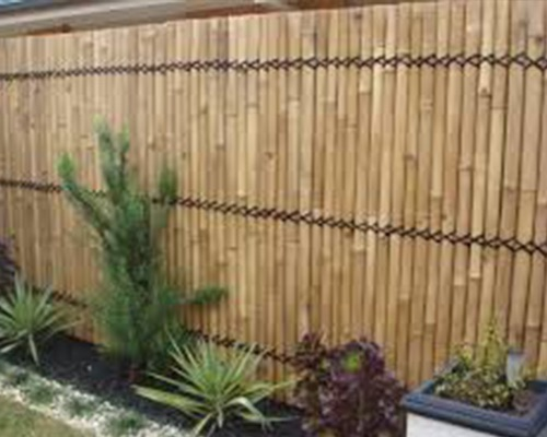 vinyl fence vs bamboo fence - blacklinehhp - privacy fence