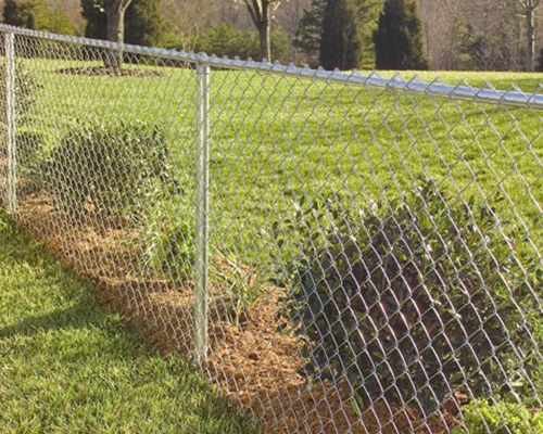 vinyl fence vs chain link fence - blacklinehhp - privacy fence