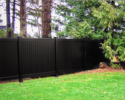 vinyl fence  - black  - blacklinehhp - privacy fence