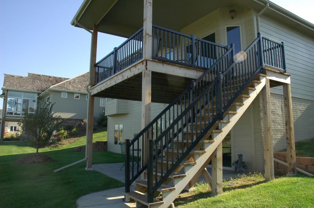 From vinyl ornamental railings to vinyl deck railing materials, BlacklineHHP offers superior black vinyl fencing for homeowners who want lasting beauty and durability.